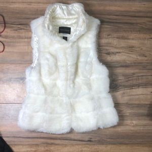 WHBM sz S faux fur cream fur vest